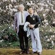 イギリス1:2 シュワ-ベ教授の庭園で、先生と自慢のマグノリア