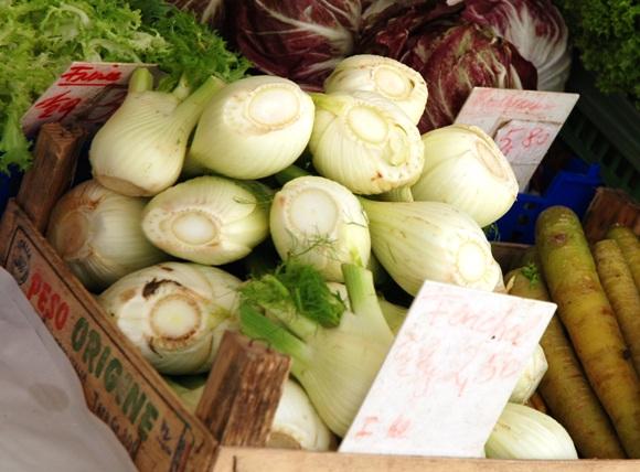 furフローレンス・フェンネル:ザルツブルグの野菜マーケット
