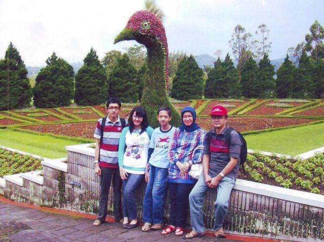 yYulian3(インドネシア)